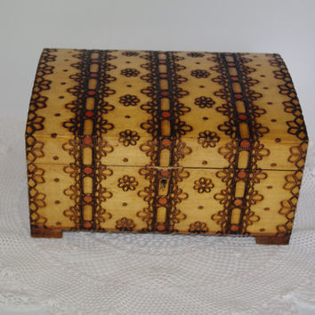 BIG Vintage Wooden Jewelry Box Ornament wood box Pyrography Trinket Box, Hand made Treasury box hand carved box Soviet Decor Polish box 70's