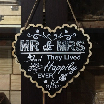 2016 Wooden Wedding Sign Heart Black Board Mr and Mrs Party Event Decorating Hanging Signs Photobooth PropsSupplies