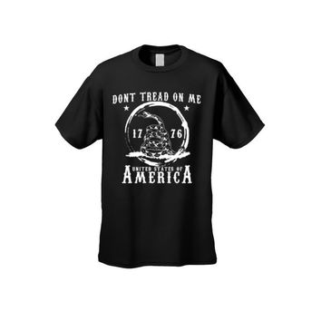 Men's T Shirt Dont Tread On Me: United States Of America Short Sleeve Tee