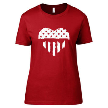 4th of July Independence Day Clothing - US Flag Grunge Heart Crew Neck - Ladies