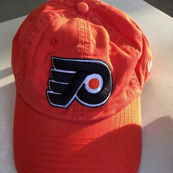 NWT PHILADELPHIA FLYERS LOGO RELAXED ORANGE NEW ERA ADJUSTABLE HAT