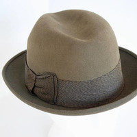 Vintage Champ Felt Fedora Hat Unisex Brown Felt Kasmir Finish Wide Grosgrain Ribbon Bow Accent Size Small 6 3/4 1950's // Vintage Hat