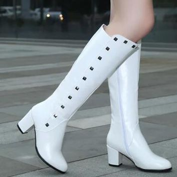 2016 Western Rivets Soft PU Riding Boots White Knee High Boots Women Autumn Thick High Heel Fashion Boots Big Size 34-43