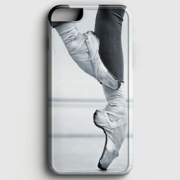 Ballet Dancer En Pointe iPhone 8 Case