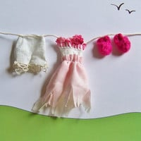 Fairy Garden Miniature Clothesline with Clothes Fairy Garden Accessories Dollhouse Wash Line with Miniature Clothes Set in Pink