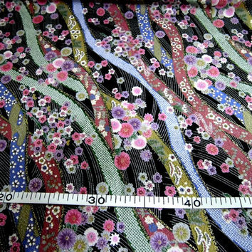 Kawaii cotton fabric black based tiny flowers on the floating water pattern : width 50 cm length 50 cm
