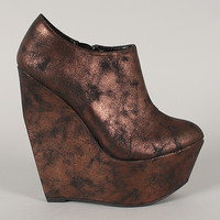 Qupid Stuckup-02 Distressed Metallic Platform Wedge Bootie