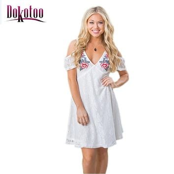 vestidos femininos sexy clubwear female White Cold Shoulder Floral Embroidery Lace Dress 2017 summer LC220030 club party dress