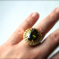 Vintage Green Cocktail Ring Oval Rhinestone in by RinnovatoVintage
