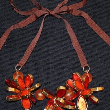 Vintage Mod Retro Flower and Ribbon Necklace