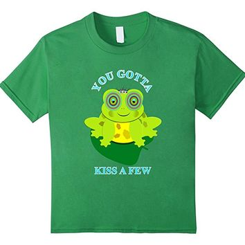 Frogs You Gotta Kiss A Few Funny Novelty Graphic T-Shirt
