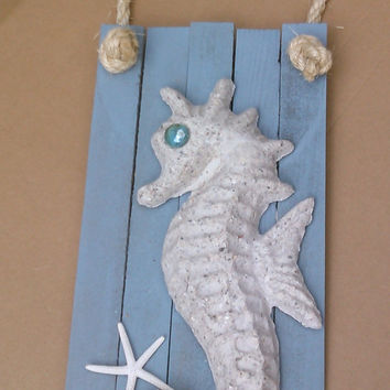 Seahorse Sign with Rope and Seahorse Made of Beach Sand - Nautical Wall Hanging - Coastal Wall Decor - Beach House Art