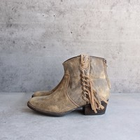 very volatile - lookout fringe leather bootie (women) - tan