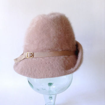Beige Cloche Hat - Short Front Brim 1920s 1930s Style Cap - Tan Mauve - Adorable - Vintage Kangol Design - Made in England