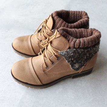 Cozy Womens Sweater Boots   Tan