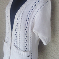 Guess slouchy cardigan sweater size small cream to off white snap front buttons two pockets Guess insignia cotton Vneck