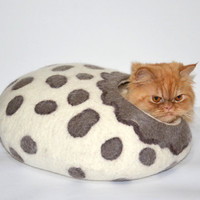 Wool cat bed Savannah SIZE L, cats cave, pets house