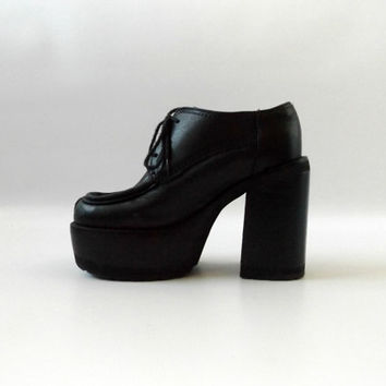 Tall Chunky Heel Oxford Shoes Vintage 90s Black Leather Club Kid Cyber Goth Womens Size 5 1/2 Loafers 1990s Platform Heels Vaporwave Grunge
