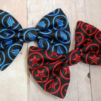 Mass Effect Paragon and Renegade Bows // Gamer, Video Game, Gift, Novelty, Space