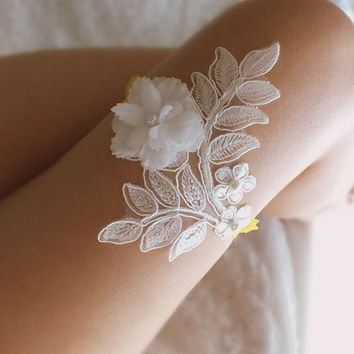 ivory yellow wedding garter 3D flower  lace  garter , Wedding Garter,  garters, ivory lace Garter, Free Ship