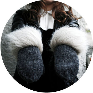 handmade grey color mittens with white fur fringe from 100% wool cozy warm winter gloves