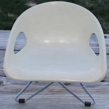 Vintage 1970s Cosco Retro Modern Booster Childrens Seat Chair
