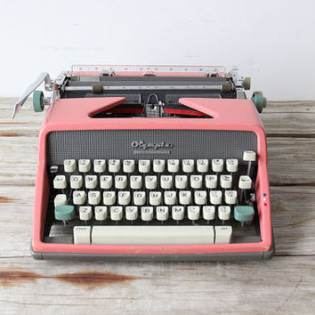 Perfectly Pink Olympia Typewriter w/ RARE SCRIPT FONT