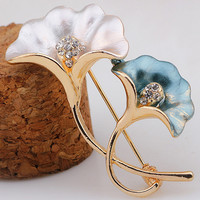 Two-Tone Floral Pattern Rhinestones Deco Brooch Clip for Woman