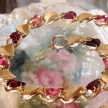 Rhinestone Necklace Choker 1950s 50s Mid Century Hollywood Ruby Red and Hot Pink Glass Faceted Teardrop Pear Rhinestones Leaves Leaf Gold