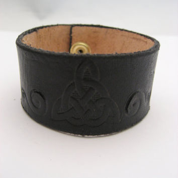 Celtic Knot  Bracelet Black  Leather Bracelet Spirals  Leather Cuff  Real Leather Hand Tooled  Leather Jewelry Celtic Knot  Jewelry