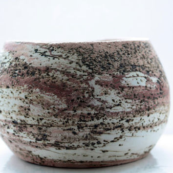 Mixed clay round earthenware bowl