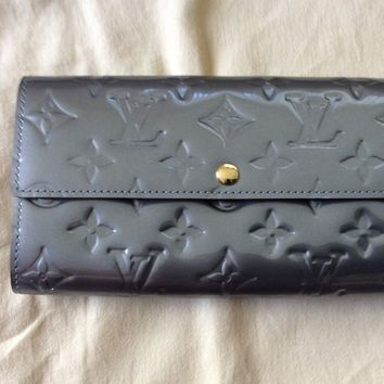Gray authentic LOUIS VUITTON vernis monogram LV clutch wallet NEW free shipping