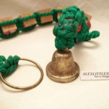 """Vintage """"PEACE"""" Green Macrame Christmas Wall Hanging Toy Wooden Blocks"""