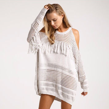 2017 new beach dress tunic saida de praia pareo Strained hollow Tassel sweater creamy-white swimwear cover up women beachwear