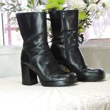 Chunky 90s boots / US 7.5 / black leather boots / mid calf platform shoes / grunge goth biker vintage 90s boots / round toe leather boots