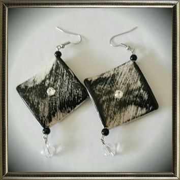 Beaded Black Diamond Shaped Earrings - $7.00 - Handmade Jewelry, Crafts and Unique Gifts by WandaFulBeading