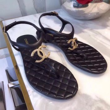 Chanel Summer Popular Women Comfortable Flip Flops Front Big Logo Sandal Slipper Shoes Black I12607-1