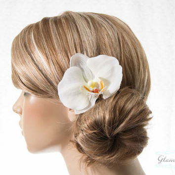 White Orchid Hair Clip, Phalaenopsis Hair Pins with natural center. Bridal Flower Hair Combs, Fascinators white or purple orchids