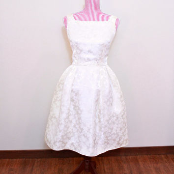 1950s Dress / VINTAGE / 50s Dress / Satin / Brocade / Roses / Short / Bridal / Scoop back