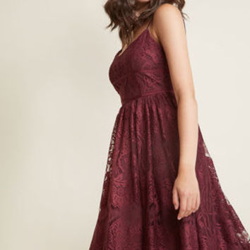 Strike It Lovely Lace Midi Dress in Fig