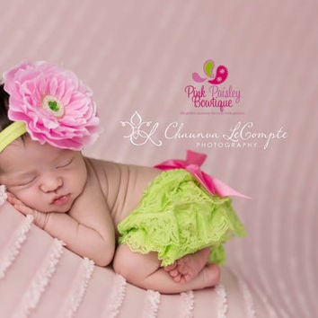 Baby Lace Bloomer Set- 1st Birthday Picture Outfit - Newborn Photo Outfit- Lace Ruffle cover - Cake smash outfit- Ruffle Baby Diaper cover