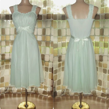 Vintage 50s Mint Green Sheer Chiffon SHADOWLINE Princess Nightgown Embroidered Roses 34