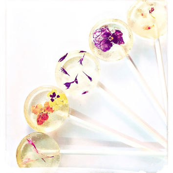 Pressed Flower Lollipops // Pansy Flower // Edible Flowers Lollipops  // Summer Weddings // Fall Wedding Favor // New Years Favor - 20 Count