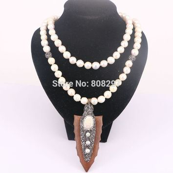 High Quality 3Pcs Natural Pearl with Arrowhead Wood Pendants Necklace Rhinestone Pearl Beads For Women
