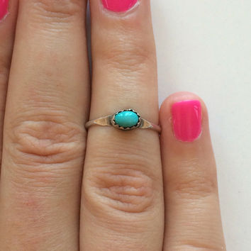 Vintage Handcrafted Native American Style Sterling Silver Small Turquoise Stackable Ring Size 7