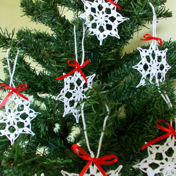 Lace Crochet snowflakes, Christmas ornament, christening favor, Christmas decor, tree decoration, gift wrapping, wedding day, Set of 6-(C13)