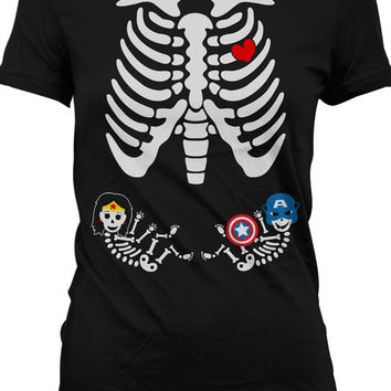 Pregnant Skeleton Shirt Halloween Costume T Shirt Funny Pregnancy Shirt Boy Girl Superhero Twins Skeleton Baby T-Shirt Ladies Tee
