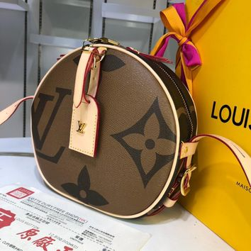 PEAP 1593 Louis Vuitton LV Nicolas Ghesquie Spell color large screen printing soft box cake bag