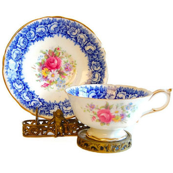 Paragon Chintz Roses Flow Blue Teacup Vintage Scalloped Edge Double Warrant Bone China