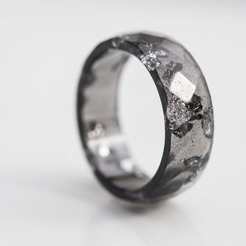 Black Resin Ring Men Ring Silver Flakes Big Size 10 size 12 Faceted Ring OOAK boho dark gray minimalist jewelry rusteam